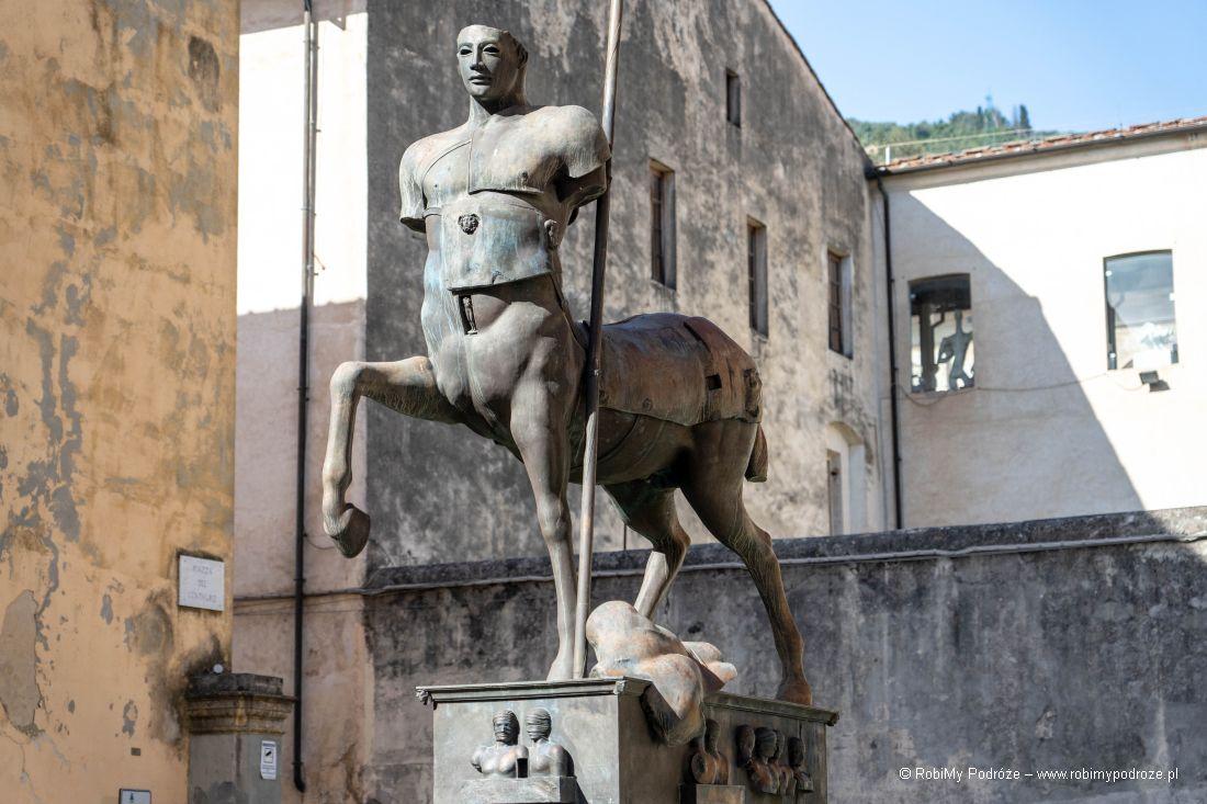 Centaur Igora Mitoraja wPietrasancie