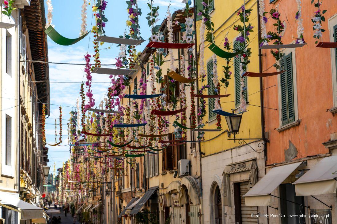 kolorowa Via Mazzini wPietrasancie
