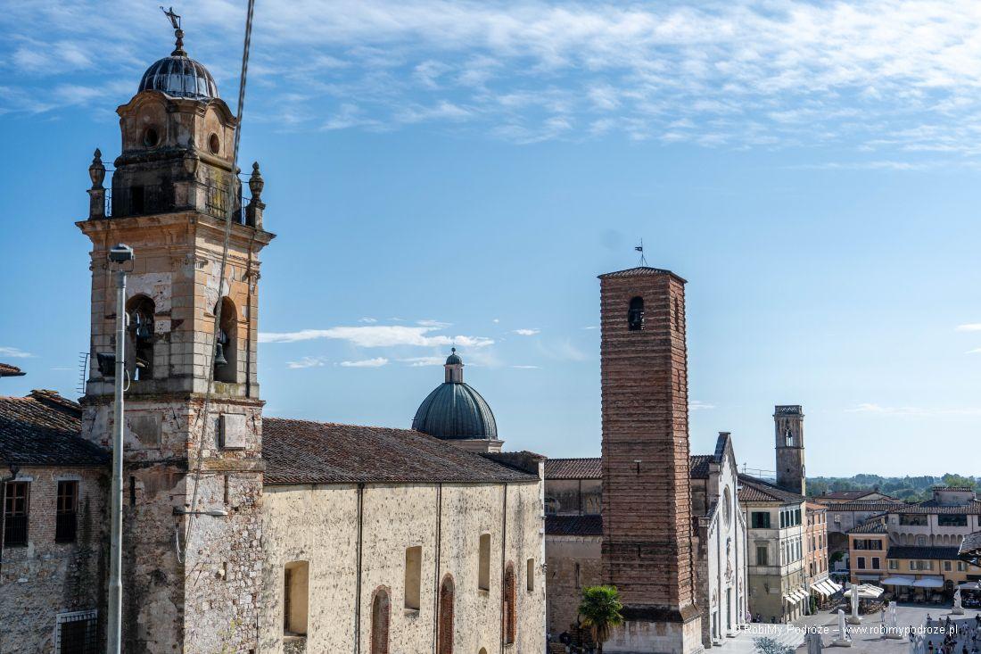 trzy wieże wjednej linii - Atrakcje Pietrasanty wjeden dzień
