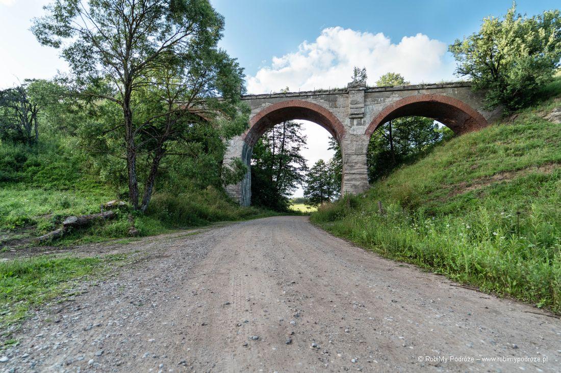 Ceglane mosty wKiepojciach