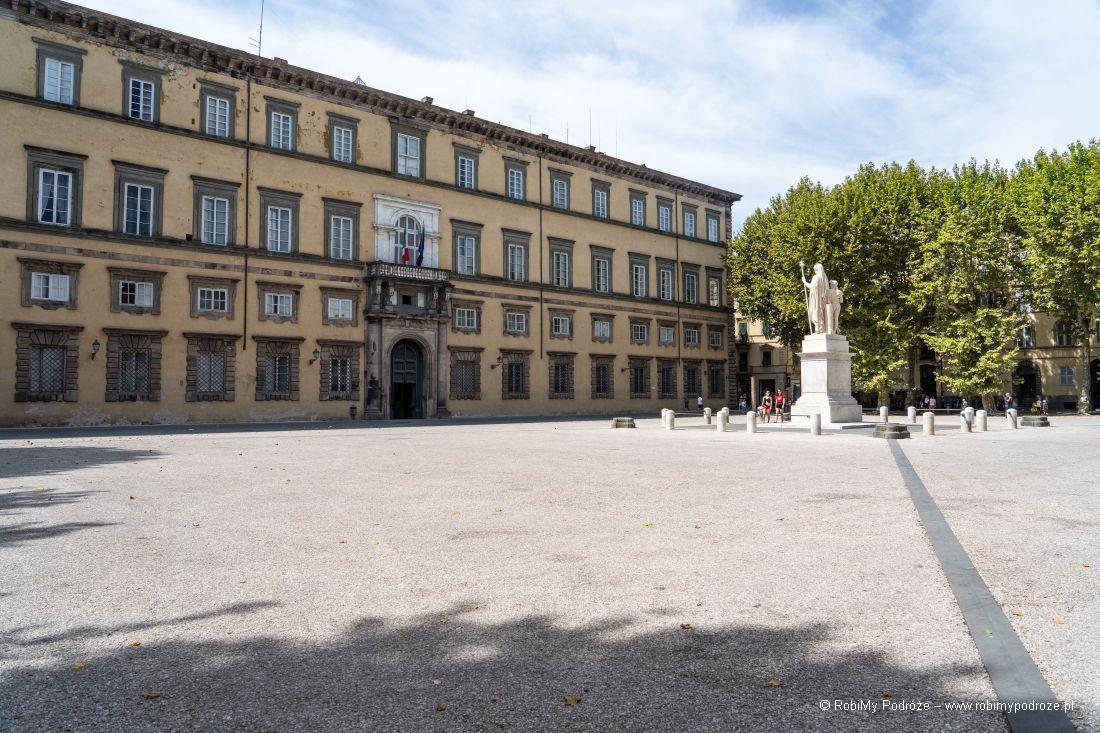 Palazzo Ducale wLukce