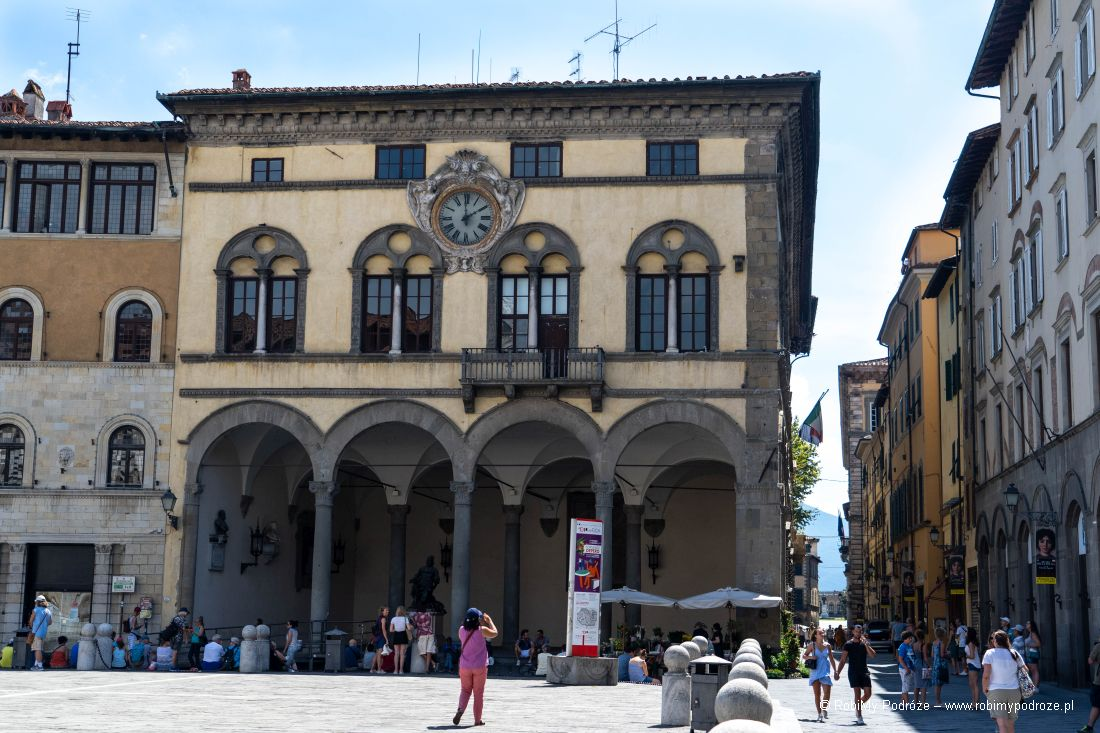 Palazzo Pretorio wLukce
