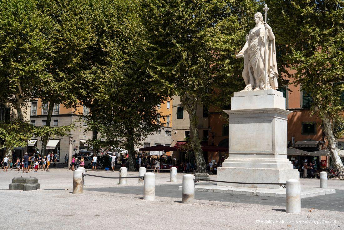 Pomnik naPiazza Napoleone