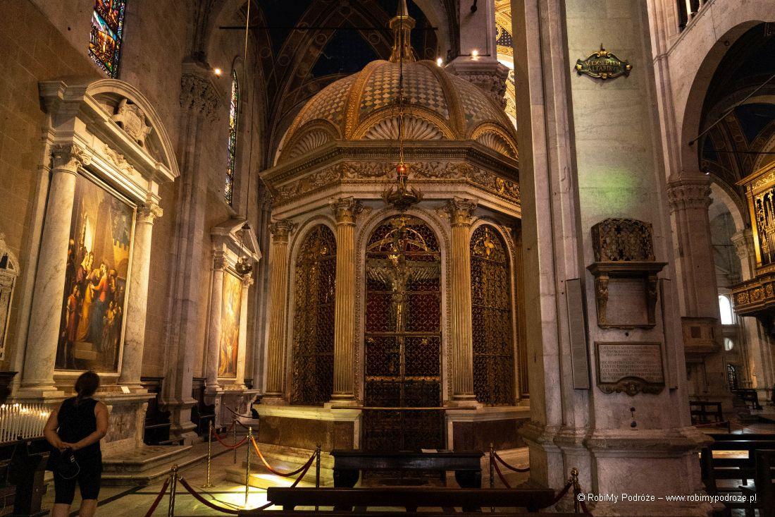 krucyfiks wDuomo di San Martino
