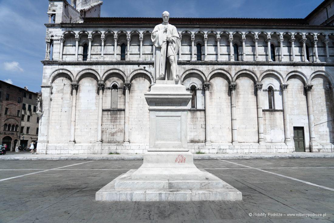 pomnik naPiazza San Michelle
