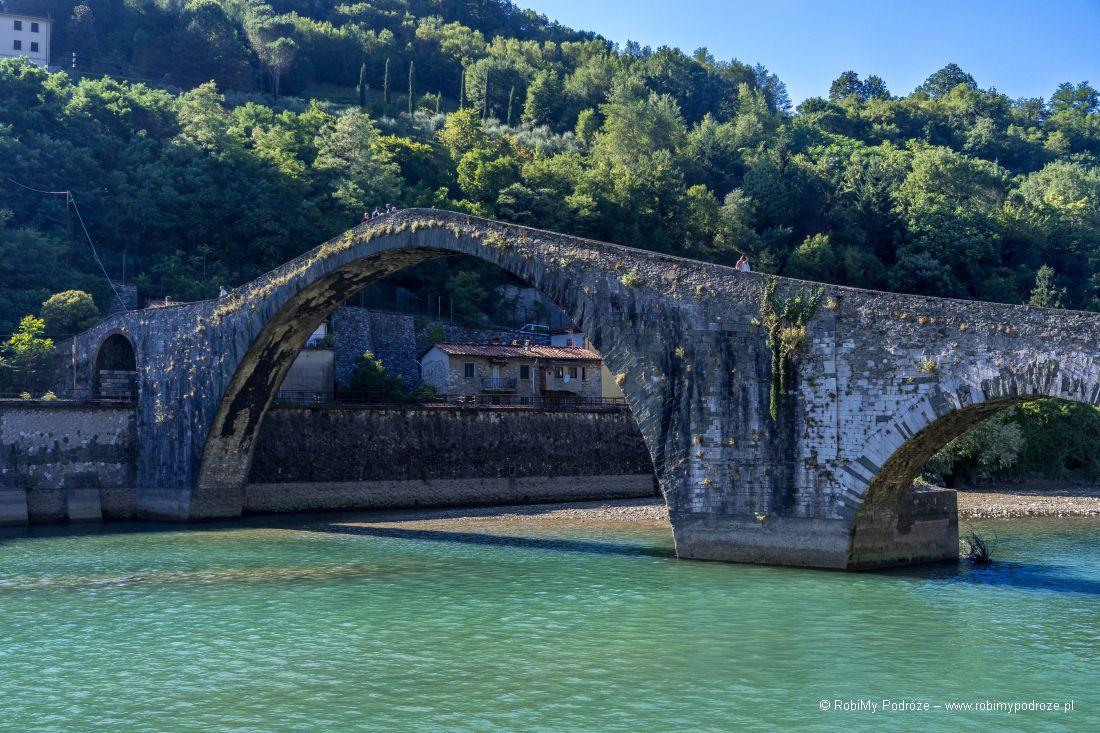 Ponte del diavolo wToskanii