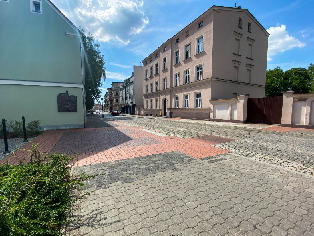 uczytelnione mury miejskie wLesznie