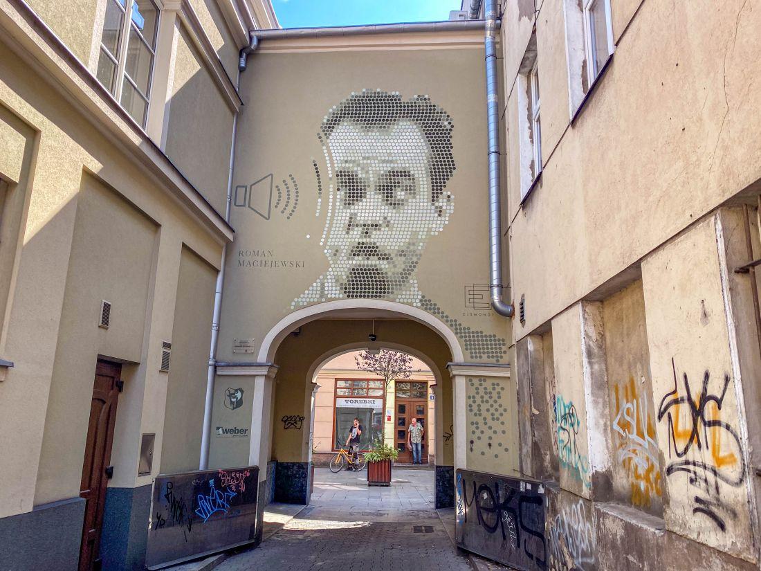 mural Roman Maciejewski zkropeczek wLesznie