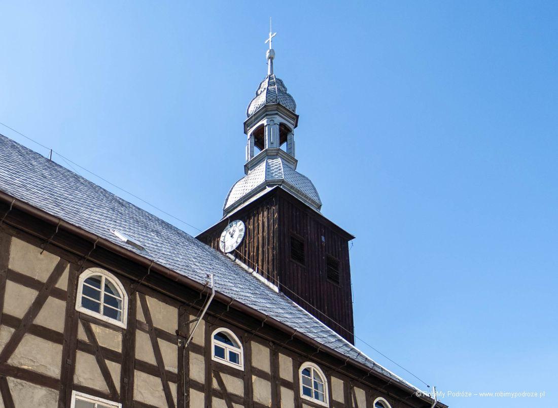 wieża kościoła wRakoniewicach