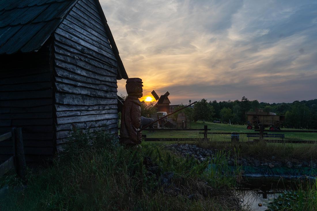 zachod słońca imay wiatrak wWielkopolsce