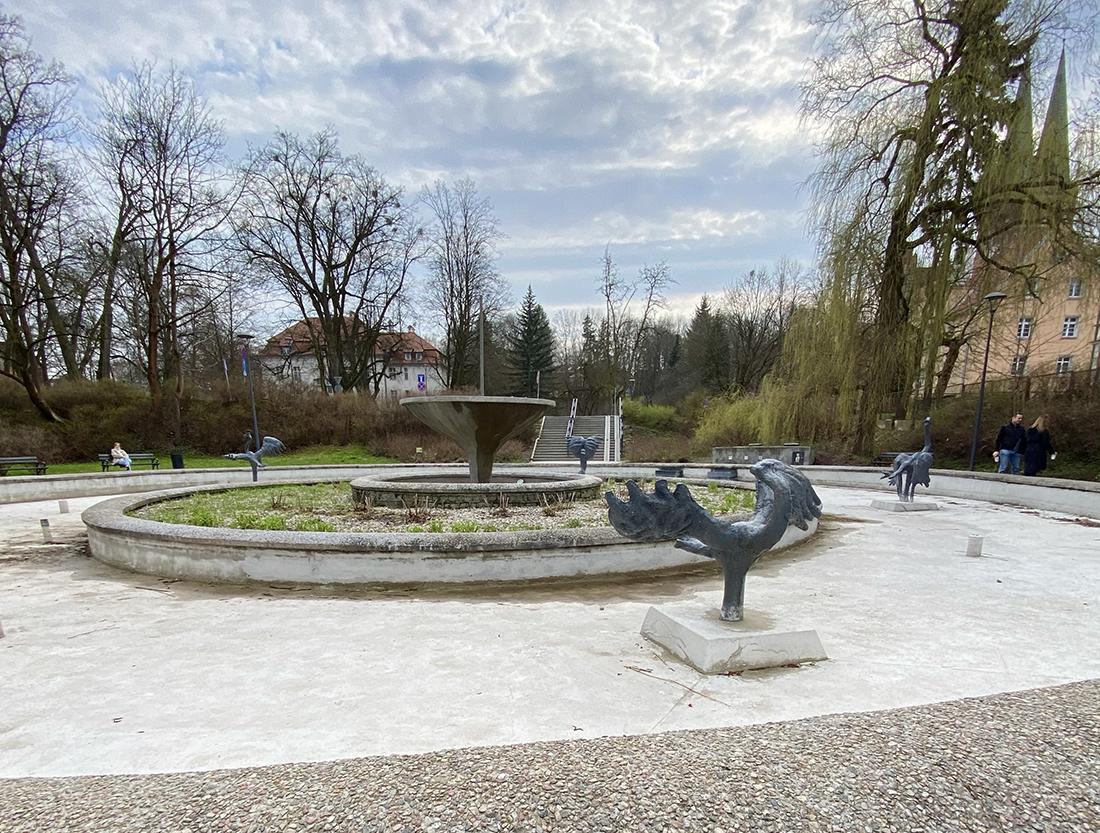 fontanna Symfonia Ptaków wOlsztynie