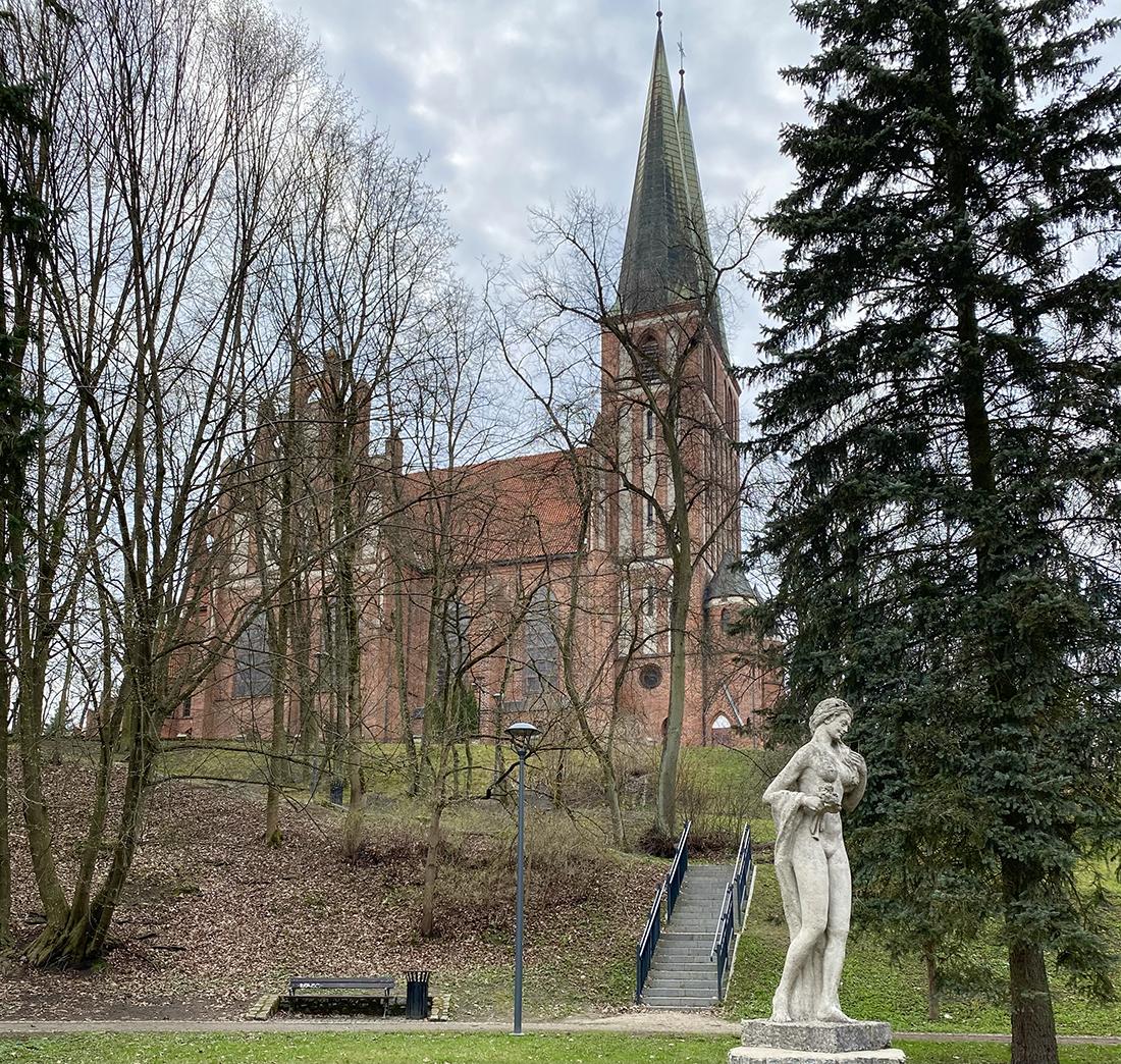 kościół garnizonowy wOlsztynien natrasie Łynostrady