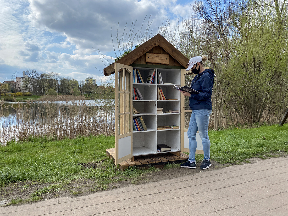 biblioteka nadjeziorem Długim