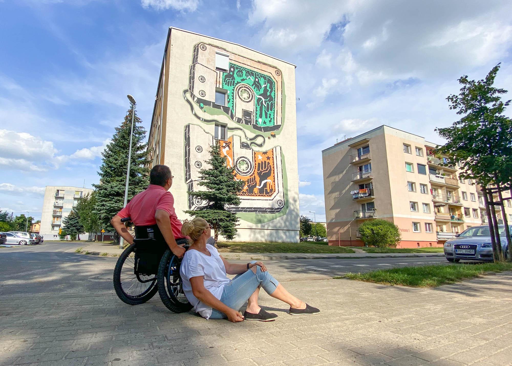 mural zkasetą wJarocinie